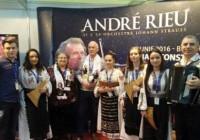 VIDEO Naiștii de la Liceul de muzică și profesorul Dumitru Pasăre au promovat concertele lui Andre Rieu din România