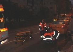 VIDEO Femeie lovită de un taxi pe trecerea de pietoni