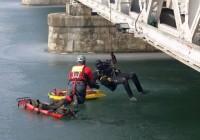 Acțiune de salvare spectaculoasă în barajul de pe Jiu