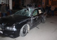 Accident spectaculos în Târgu Jiu. Un BMW s-a răsturnat în sensul giratoriu de la Gară