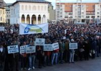 Protest anemic la Târgu Jiu. Doar 2000 de persoane au participat la mitingul PSD împotriva mutării sediului CEO