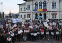 VIDEO Miting cu 3000 de participanți împotriva mutării sediului CEO. La protestul organizat de PNL au participat și pesediștii