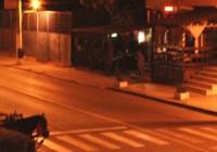 """Căruță """"parcată"""" pe o stradă din Târgu Jiu"""