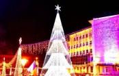 Ce vedete vor susține un spectacol lângă bradul de Crăciun din Târgu Jiu