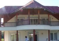 Casa lui Mischie a fost prădată. Hoții au fost prinși chiar în casă, dar au fost puși în libertate