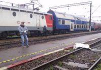 Un pensionar octogenar s-a aruncat în fața trenului