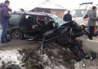 Accident cu patru persoane rănite și un tânăr decedat la Drăguțești