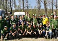 Voluntari din Gorj au plantat sute de puieți la Bârsești